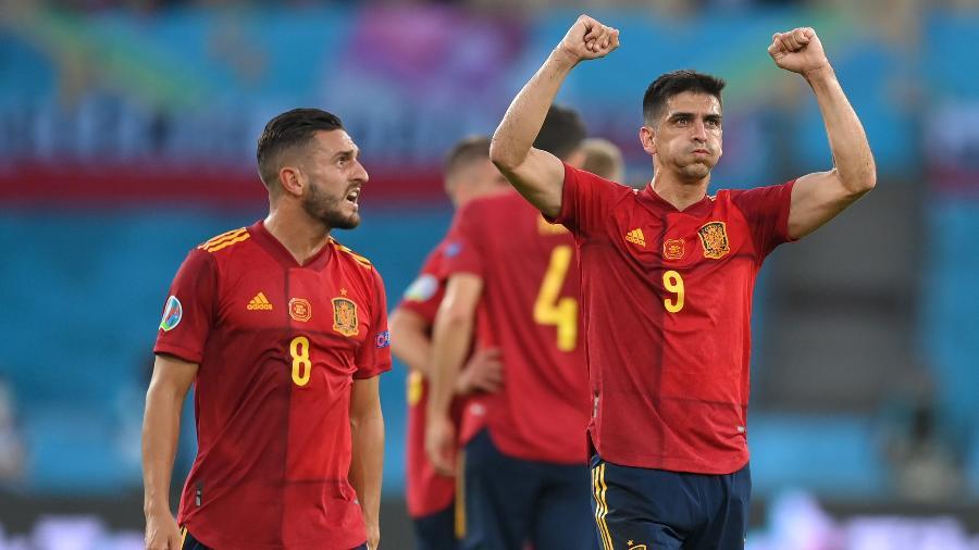 Jogadores da Espanha comemoram gol marcado diante da Polônia, pela 2ª rodada do Grupo E da Eurocopa - David Ramos/Getty Images