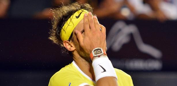 Rafael Nadal se lamenta na derrota para o uruguaio Pablo Cuevas, na semifinal no Rio - Deco Pires/Fotojump