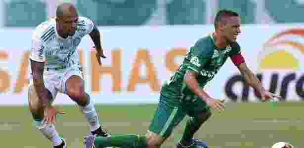 Felipe Melo em ação pelo Palmeiras no amistoso contra a Chapecoense - Cesar Greco/Fotoarena - Cesar Greco/Fotoarena