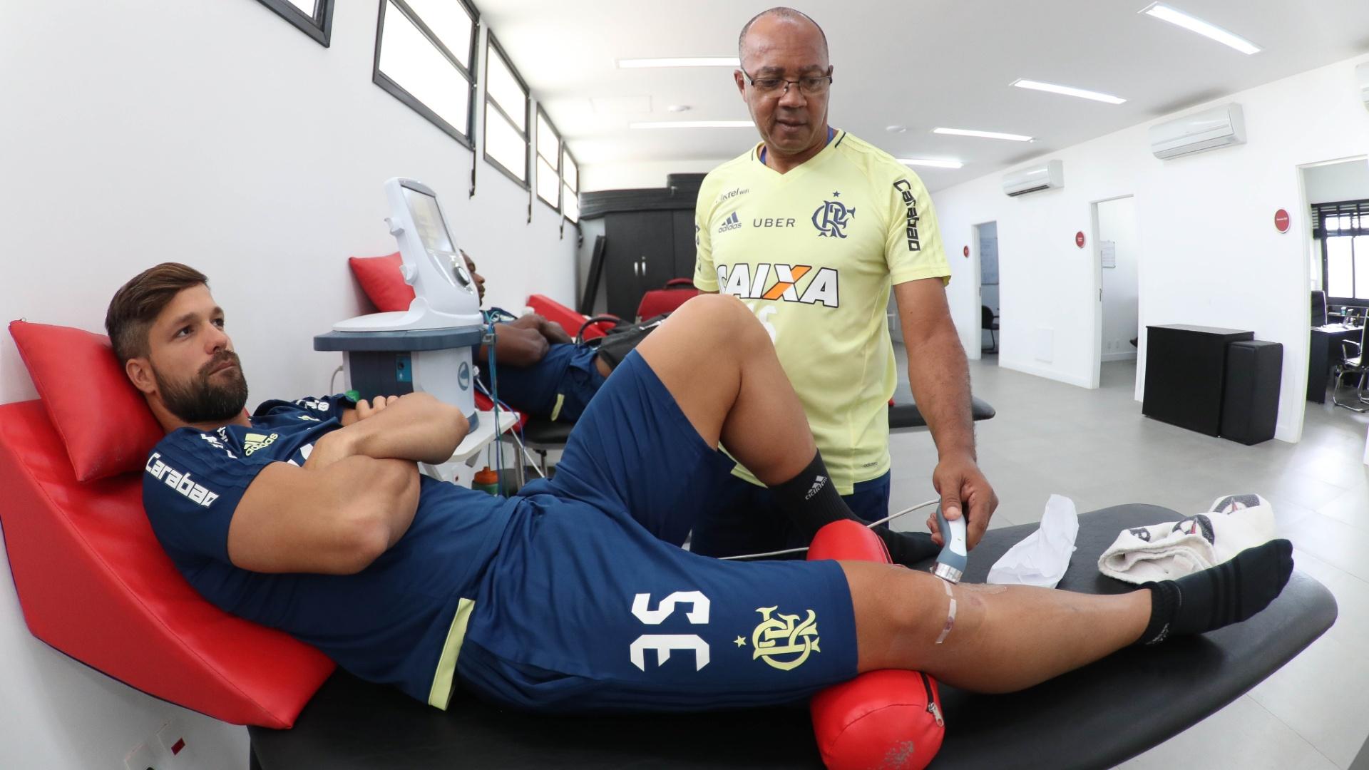 Diego iniciou a recuperação da cirurgia no joelho para voltar rápido ao time do Flamengo