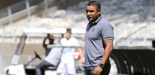 Após vaias, Atlético-MG do técnico Roger Machado precisa vencer para evitar pressão