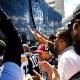 Torcida do Atlético-MG volta a protestar em frente à sede do clube
