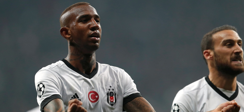 Chamado por Dunga, Talisca terá nova chance próximo da Copa - Murad Sezer/Reuters
