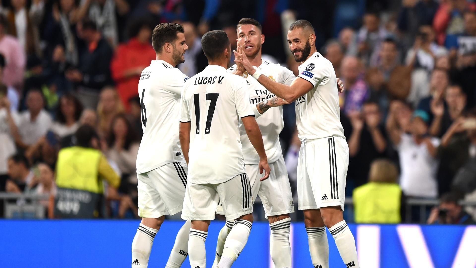 Jogadores do Real Madrid comemoram gol de Benzema sobre o Viktoria Pilsen