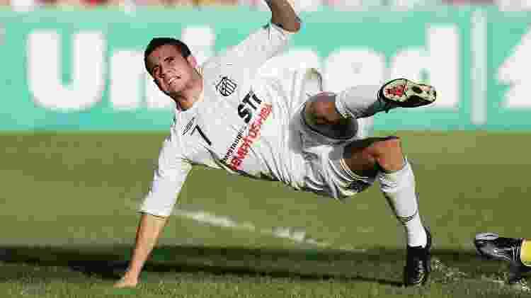 Maikon Leite, então no Santos, sofreu lesão séria em jogo contra o Flamengo, em 2008 - Ricardo Saibun/AGIF/Folha Imagem