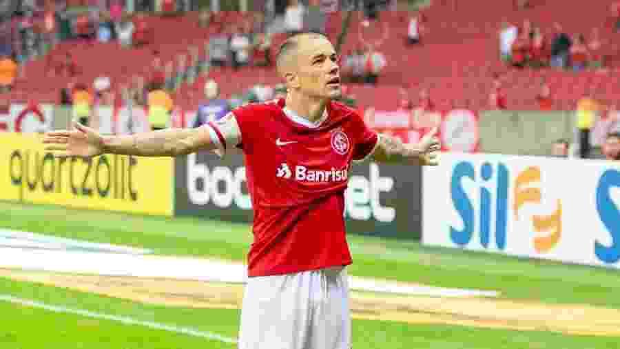 "D""Alessandro começa a partida contra o Avaí no banco de reservas. Guilherme Parede joga - Persio Ciulla | TXT Sports"