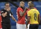 """Técnico do Equador explica derrota em 30 segundos: """"Prefiro não falar"""" - Juan Mabromata/AFP"""