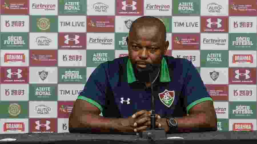 Técnico Marcão, do Fluminense, deu atenção à Muriel no lance do gol de Pottker e confusão com VAR - Lucas Merçon/Fluminense