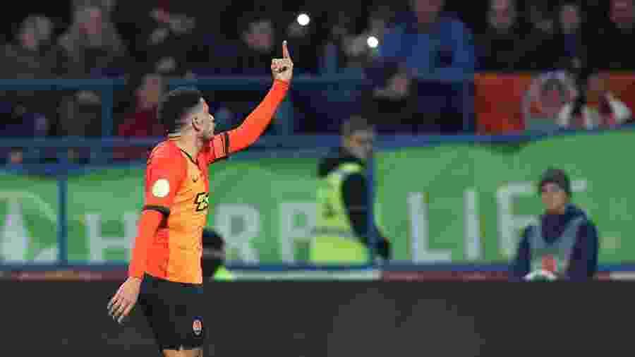 Taison reage após ser alvo de racismo em Shakhtar Donetsk x Dynamo Kiev - REUTERS/Oleksandr Osipov