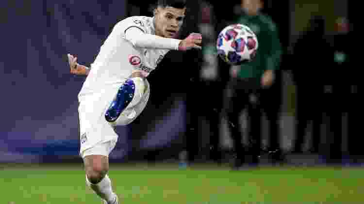Bruno Guimarães durante partida do Lyon contra a Juventus pela Liga dos Campeões - Erwin Spek/Soccrates/Getty Images - Erwin Spek/Soccrates/Getty Images