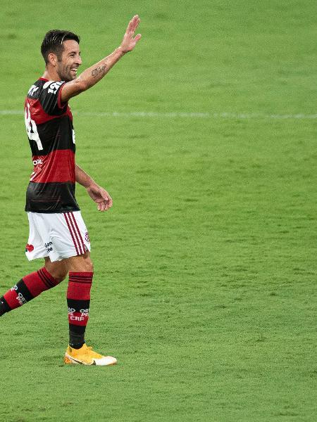 Isla comemora seu gol pelo Flamengo em jogo contra o Bahia, no Brasileirão - Jorge Rodrigues/AGIF