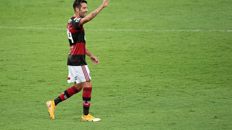 Isla, do Flamengo, foi convocado pela seleção chilena para a Copa América - Jorge Rodrigues/AGIF