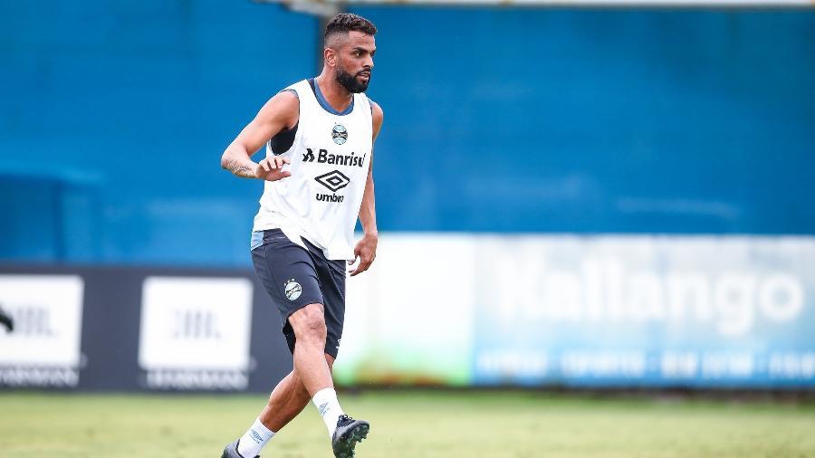 Maicon está recuperado de lesão na panturrilha e pode voltar ao time titular do Grêmio - Lucas Uebel/Grêmio