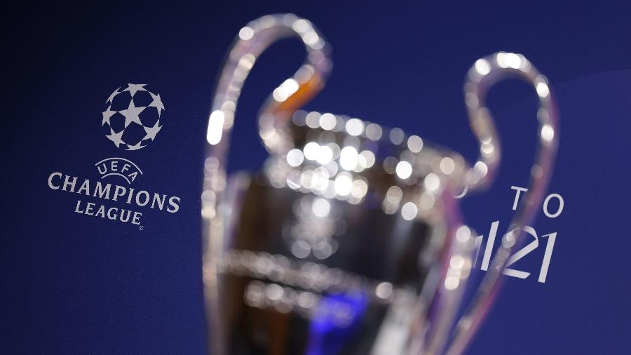 Troféu da Liga dos Campeões da Europa exposto durante sorteio da edição 2020-21 - Valentin Flauraud - UEFA