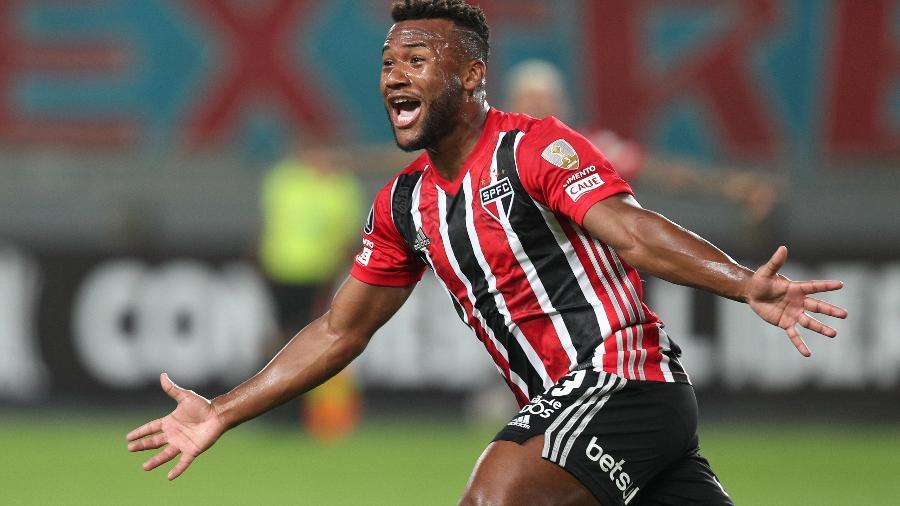 Luan comemora gol do São Paulo contra o Sporting Cristal, pela Libertadores - Getty Images