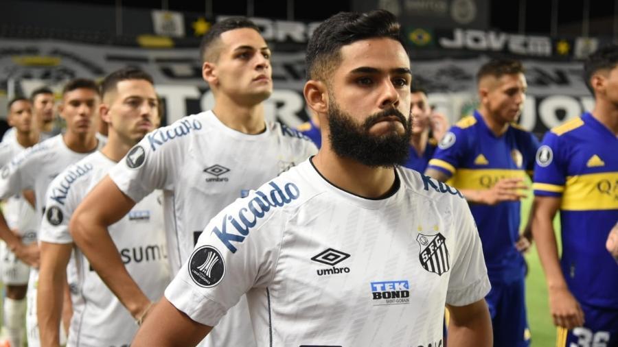 Felipe Jonatan lidera fila de jogadores do Santos no jogo contra o Boca Juniors-ARG - Ivan Storti/Santos FC