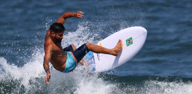 'Ondinhas mixurucas'? Ondas de Tóquio viram piada após prova do surfe