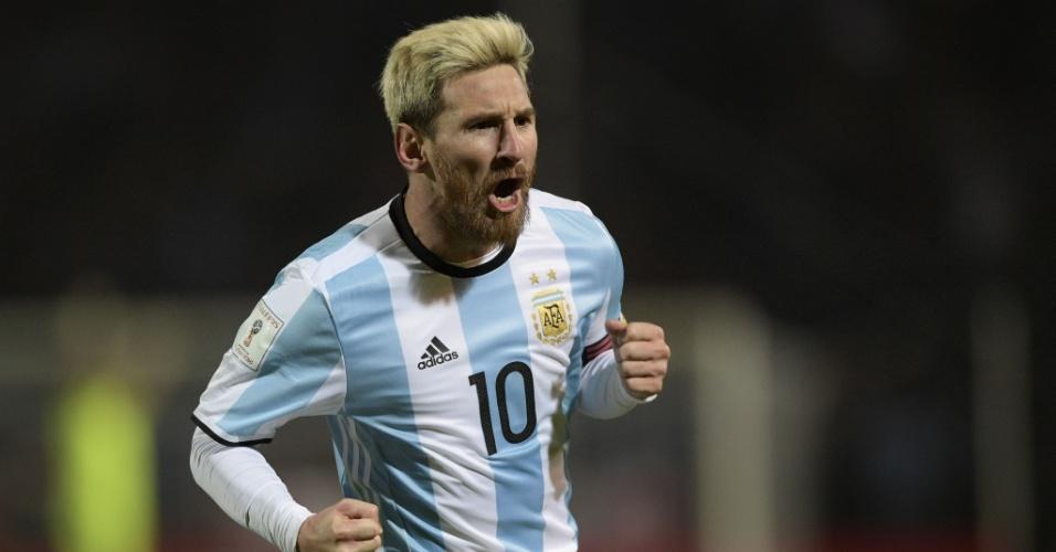 Lionel Messi comemora gol marcado para a Argentina contra o Uruguai