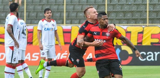 Marinho é destaque do Vitória e Cruzeiro detém 30% dos direitos do atacante