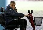Doença faz técnico do Uruguai treinar time de carrinho e mobiliza jogadores - Andres Stapff/Reuters