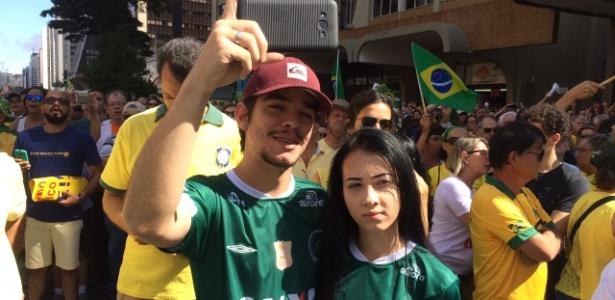 Manifestação na Paulista teve algumas homenagens à Chapecoense