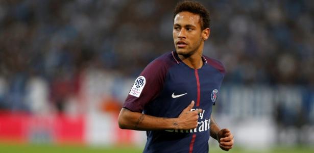 Neymar em ação pelo PSG durante o jogo contra o Olympique de Marselha - Philippe Laurenson/Reuters
