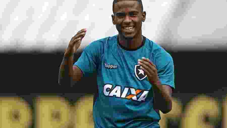 Ezequiel se destacou pelo Sport e deverá ser vendido pelo Botafogo no fim do ano - Divulgação