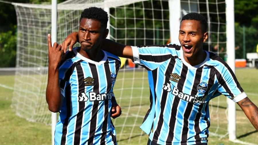 297e0423c6 Grêmio  Renato apoia venda de Tetê e explica falta de chances