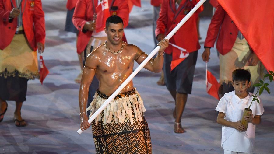 "Pita Nikolas Taufatofua, o ""Besuntado de Tonga"" - AFP PHOTO / OLIVIER MORIN"