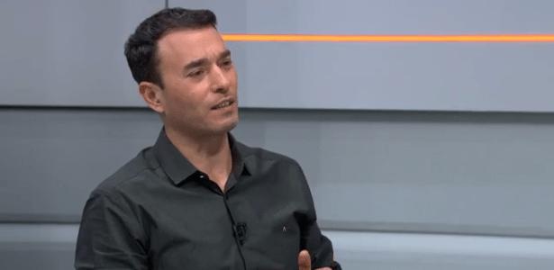 Acho que ele 'viajou' nas alterações, diz Rizek sobre Domènec