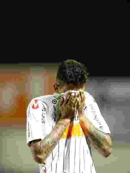 Pedro Henrique lamenta o gol sofrido pelo Corinthians diante do Mirassol - Thiago Calil/Agif