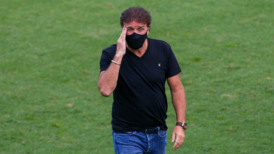 Cuca, técnico do Santos, durante partida em agosto de 2020 - Miguel Schincariol/Getty Images