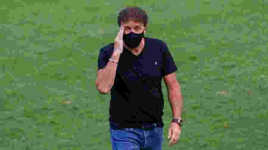 Cuca, técnico do Santos, durante partida em agosto - Miguel Schincariol/Getty Images