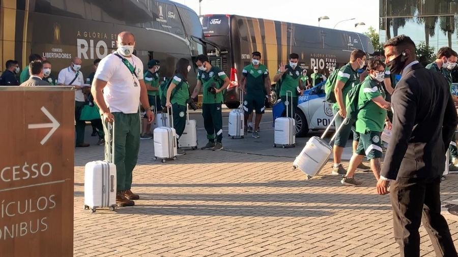 Palmeiras chega a hotel no Rio de Janeiro - Thiago Ferri