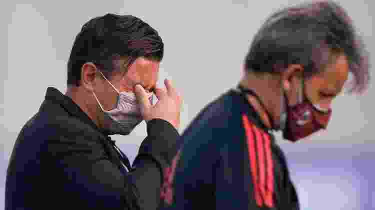 O técnico do River Plate, Marcelo Gallardo, foi atingido pelo gás lacrimogêneo - Daniel Munoz POOL/EFE - Daniel Munoz POOL/EFE