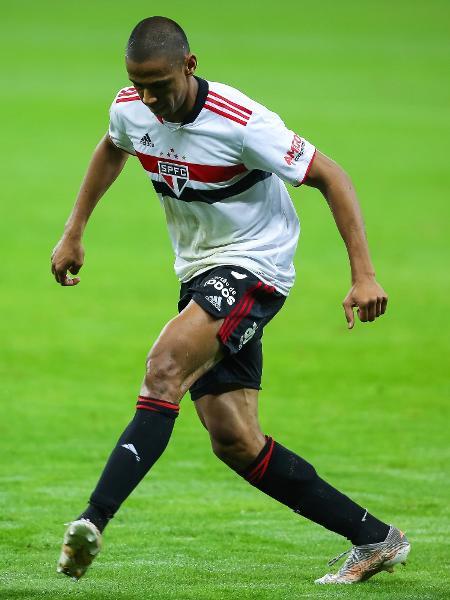 Bruno Alves cumprirá suspensão contra o Bahia - Pedro H. Tesch/AGIF