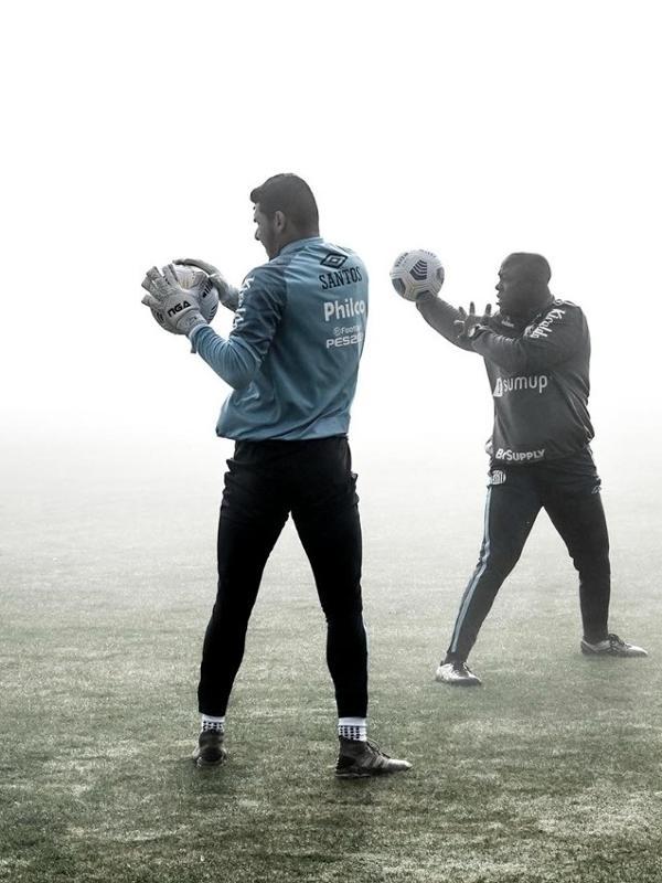 Sob muita névoa, Santos treinou em Chapecó nesta segunda-feira