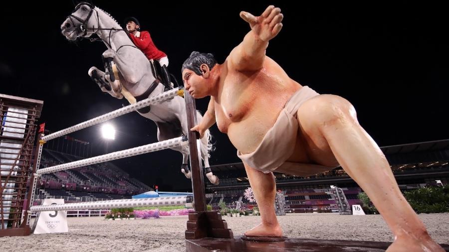 """O """"lutador"""" que tem assustado os cavalos em Tóquio - Julian Finney/Getty Images"""