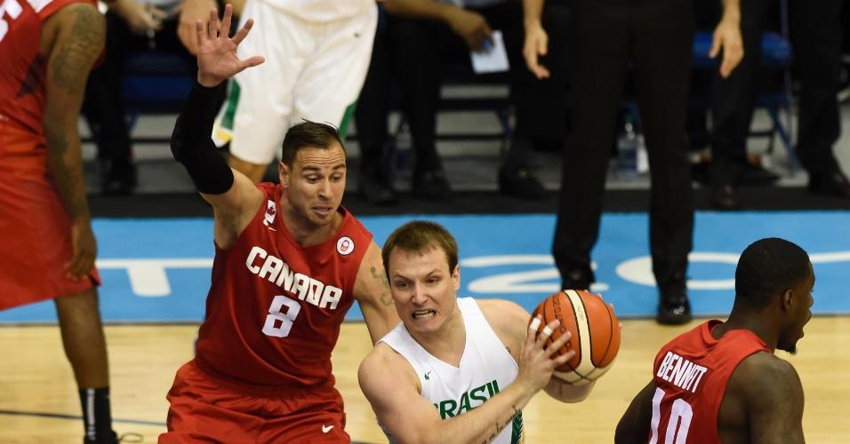 Brasil e Canadá se enfrentam pela medalha de ouro no basquete masculino