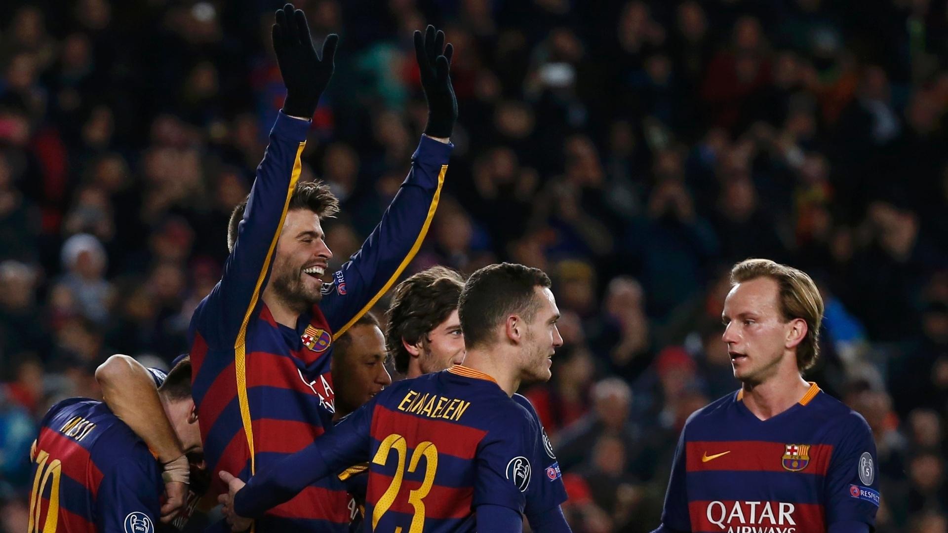 Zagueiro Piqué também marcou na goleada do Barcelona sobre a Roma, na Espanha