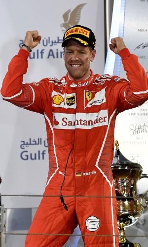 Sebastian Vettel, da Ferrari, comemora vitória no GP do Bahrein
