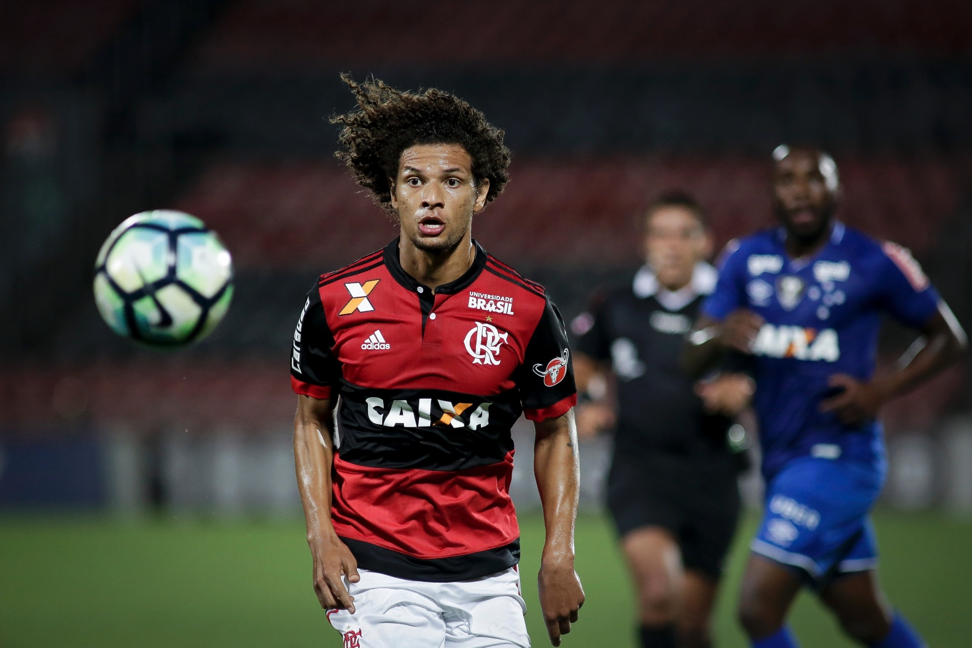 dfa8222e50 Inter monitora Willian Arão