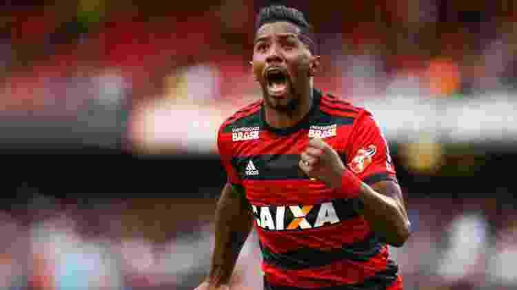 Rodinei em ação com a camisa do Flamengo - Marcello Zambrana/AGIF - Marcello Zambrana/AGIF