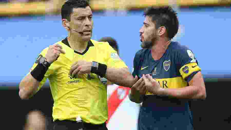 O árbitro Roberto Tobar  - Juan Ignacio Roncoroni/EFE