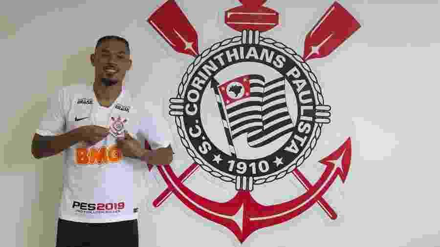 Júnior Urso é oficialmente vinculado ao Corinthians e se torna apto a ser inscrito no Estadual - Daniel Augusto Jr/Ag. Corinthians