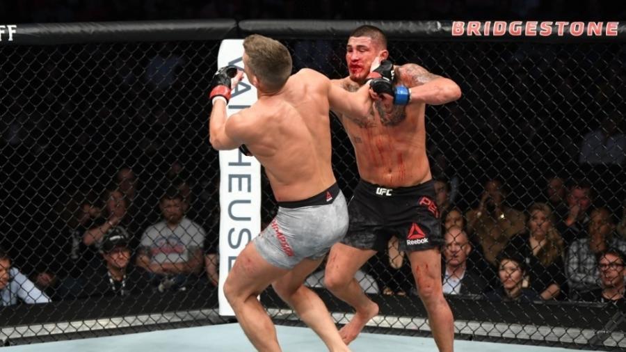 Anthony Pettis consegue nocaute sobre Stephen Thompson - Divulgação/Twitter/UFC
