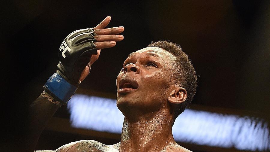 Israel Adesanya estava sendo xingado por Borrachinha durante a luta - Logan Riely/Getty Images/AFP