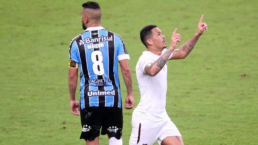 O técnico Fernando Diniz vem elogiando Luciano ao longo da temporada - Pedro H. Tesch/AGIF