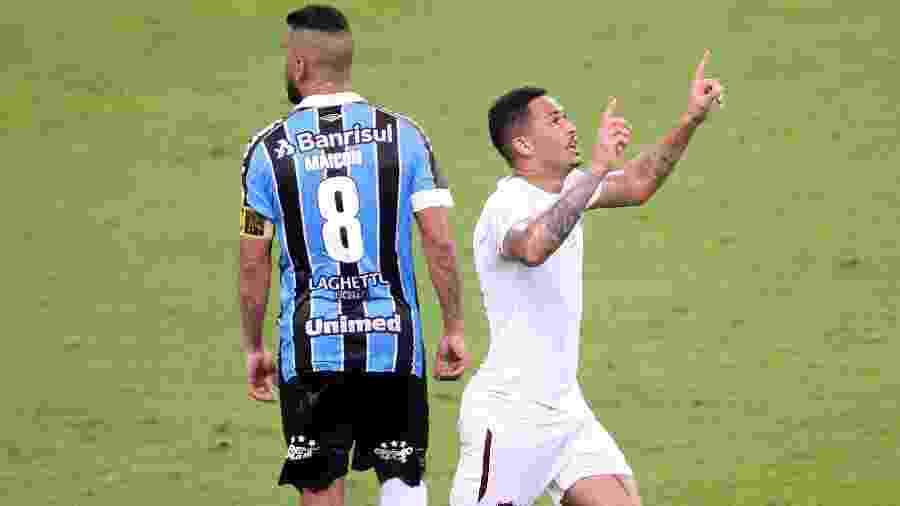 Luciano comemora gol do Fluminense contra o Grêmio - Pedro H. Tesch/AGIF