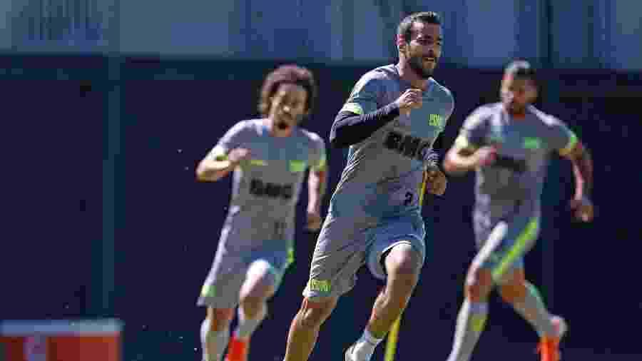 Ex-Vasco, Raul Cáceres está perto de um acordo com o Cruzeiro no mercado da bola - Rafael Ribeiro / Vasco